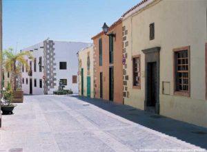 Charakteristischer Straßenzug in Agüimes auf Gran Canaria