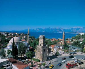 Antalya ist das Zentrum des Tourismus an der Türkischen Riviera