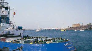 Arrecife, die weiße Stadt, vom Meer aus gesehen