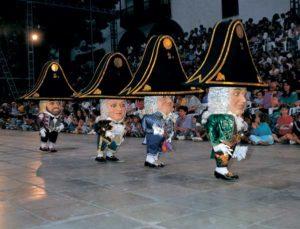 Der Tanz der Zwerge in Santa Cruz