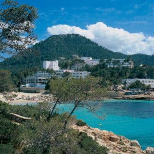 Schöne Hotelbucht auf Ibiza