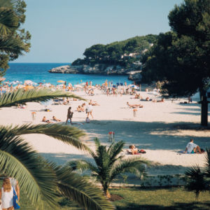 In Calas de Mallorca finden de Urlauber mehrere kleine Badebuchten