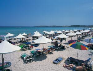 Der Strand von Cala Millor ist vor allem im Sommer sehr gut besucht