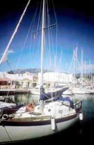 Schöne Yachten im Sporthafen von Fuengirola