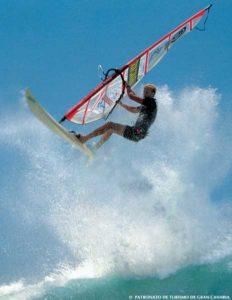 Gran Canaria bietet Windsurfspots für Könner