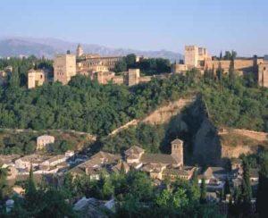 Die Alhambra, ein Wahrzeichen Andalusiens