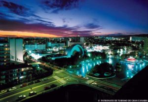 Playa del Ingles ist für sein Nachtleben bekannt