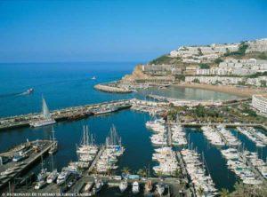 Hafen von Puerto Rico auf Gran Canaria