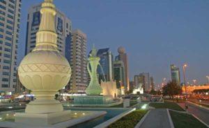 Abu Dhabi ist eine der reichsten und schönsten Städte am Persischen Golf