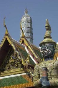 In Bangkok finden sich die bedeutendsten Zeichen der buddhistischen thailändischen Kultur