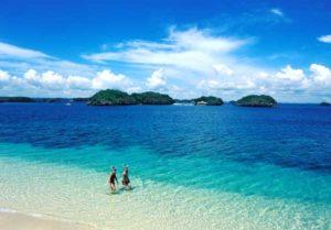 Auf den Philippinen gibt es viele fast unberührte Strände mit puderzuckerfeinem Sand