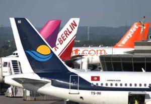 Flugzeuge auf dem Vorfeld vom Flughafen Dortmund