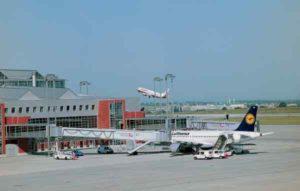 Impression vom Vorfeld des Flughafens Dresden