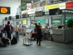 Check-In-Schalter Flughafen Klagenfurt