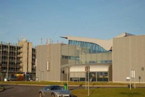 Im Parkhaus am Flughafen Saarbrücken stehen Autofahrern über 1.000 Parkplätze zur Verfügung.