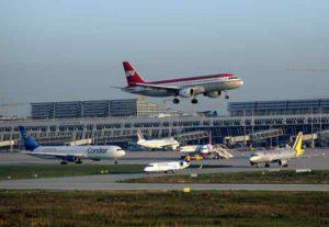 Am Flughafen Stuttgart gibt es täglich bis zu 400 Starts und Landungen zu über 100 Zielen. Bild: Flughafen Stuttgart