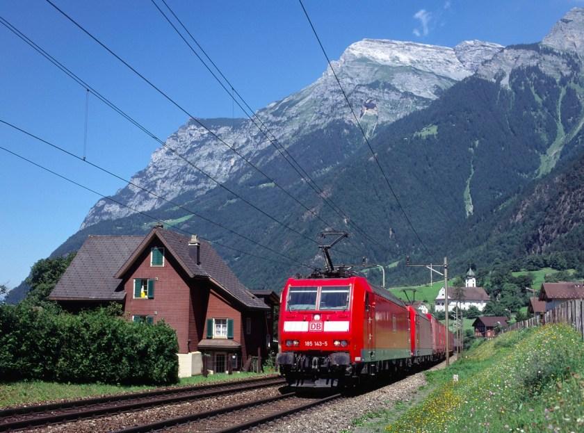 Günstige Bahntickets in die Schweiz für zwei Personen