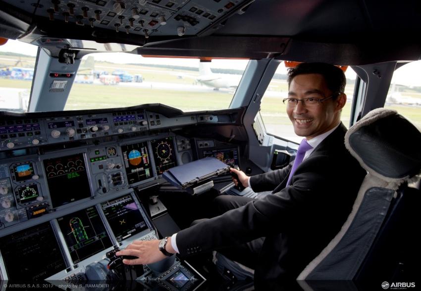 Wirtschaftsminister Rösler neuer Airbus A380-Pilot?
