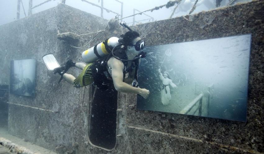 Kunst unter Wasser auf einem ehemaligen Kriegsschiff
