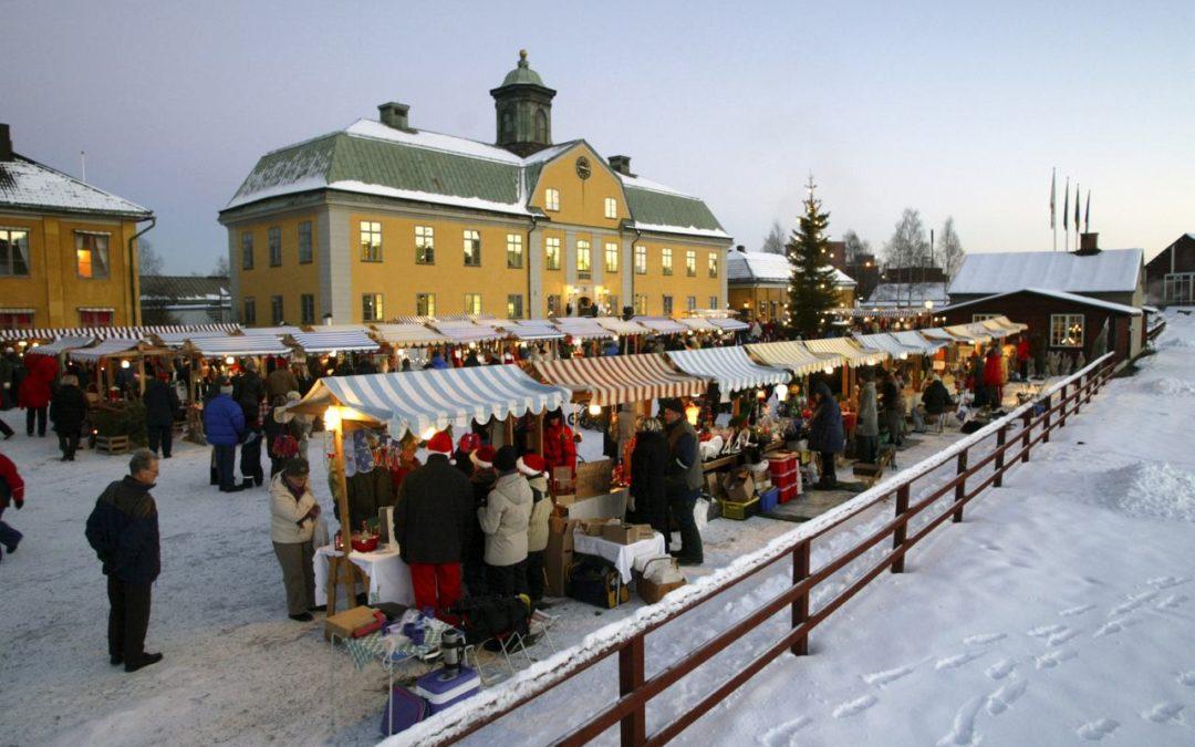 Weihnachtsmarkt in Falun im Schatten des berühmten Kupferbergwerks