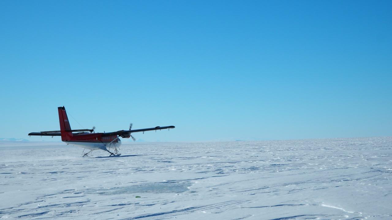 Twin Otter-Flugzeug auf dem Ross Schelfeis