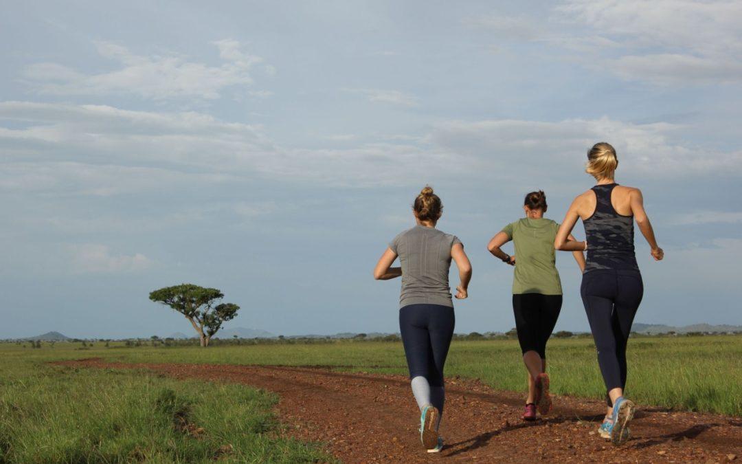 Frauenlauf durch die Serengeti zur Unterstützung einheimischer Mädchen