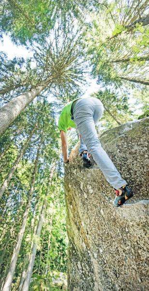 Neues Bouldergebiet Gsteier am Fuß des Ifinger im Meraner Land