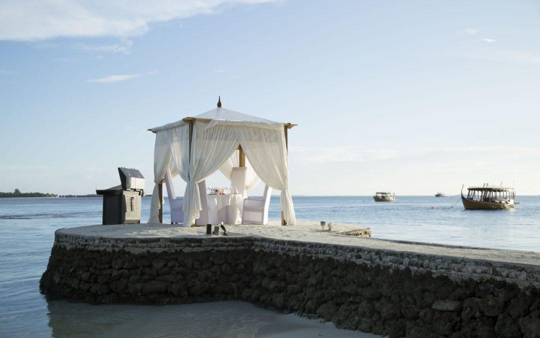 """""""Barfuß-Luxus"""" im Hideaway Beach Resort auf den Malediven"""