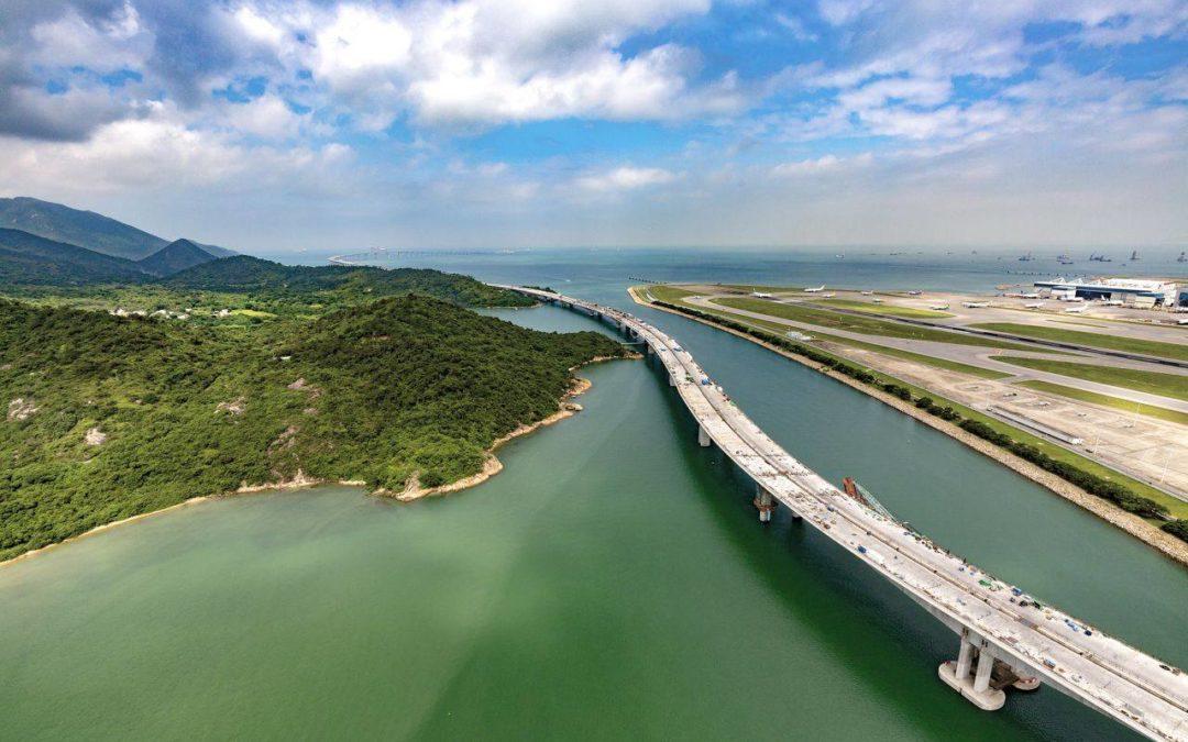 Längste Seebrücke der Welt in Hongkong eröffnet