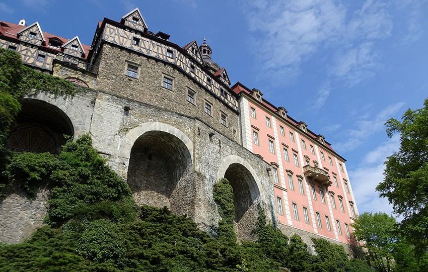 Neue Touristentrasse 50 Meter unter dem Schloss Fürstenstein