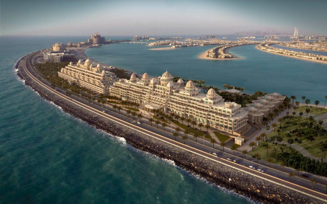 Größter Indoorpool Dubais im Emerald Palace Kempinski Dubai