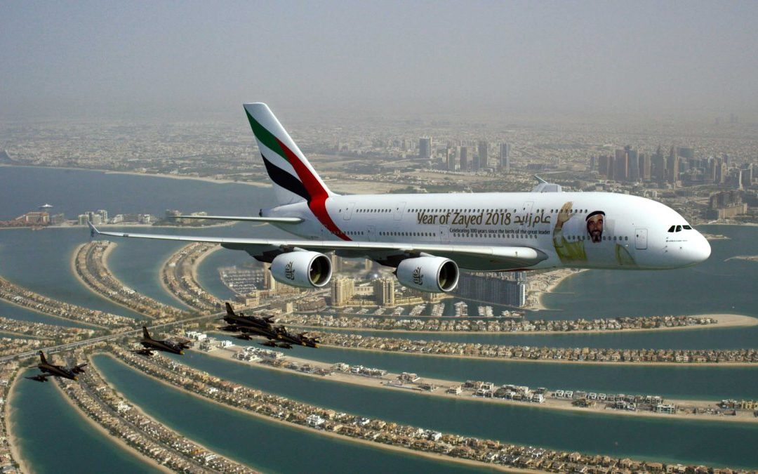Spektakulärer Formationsflug zum Nationalfeiertag der VAE über Dubai