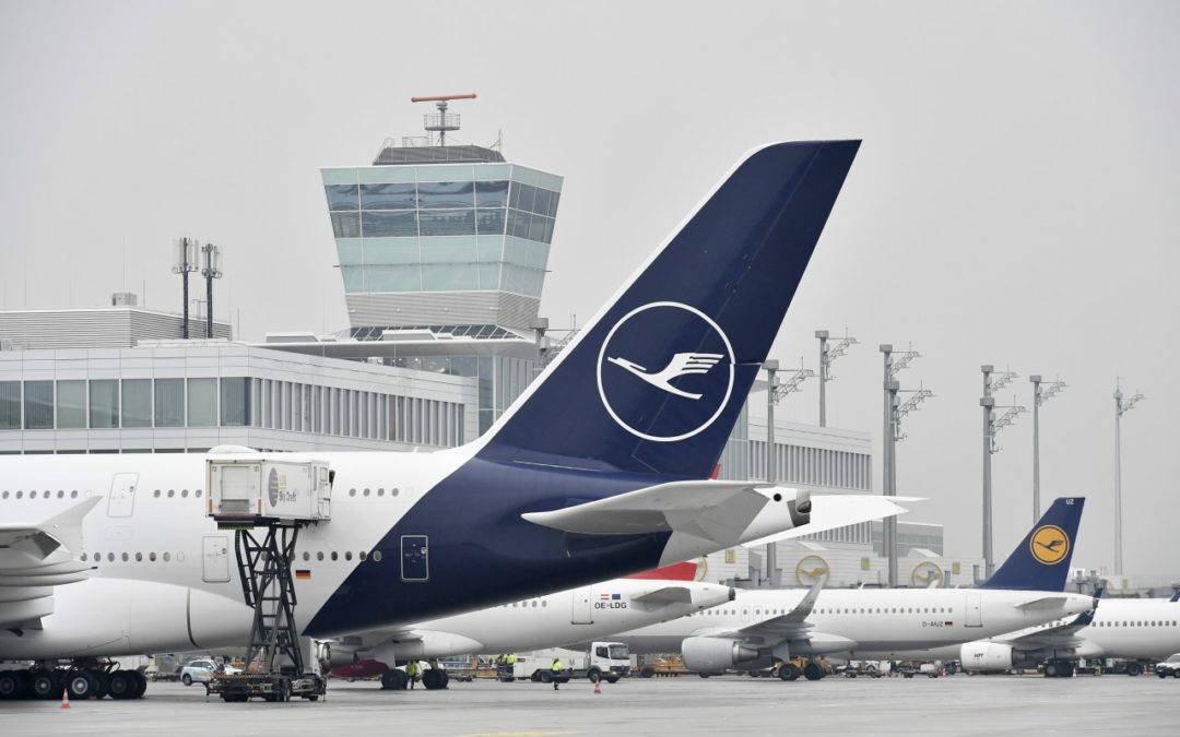 Erster Lufthansa Airbus A380 in neuem Design