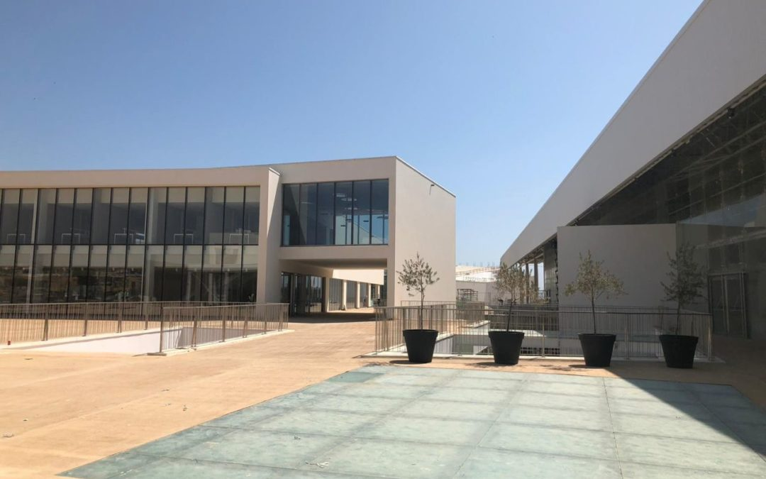 NOVA School of Business & Economics nach Cascais umgezogen
