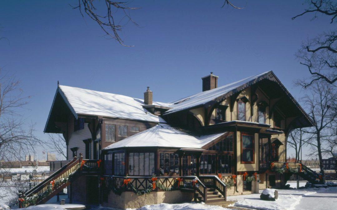Geisterjagden im Tinker Swiss Cottage  in Rockford