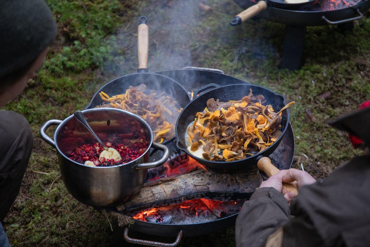 Outdoor-Kochen mit Zutaten aus der Natur
