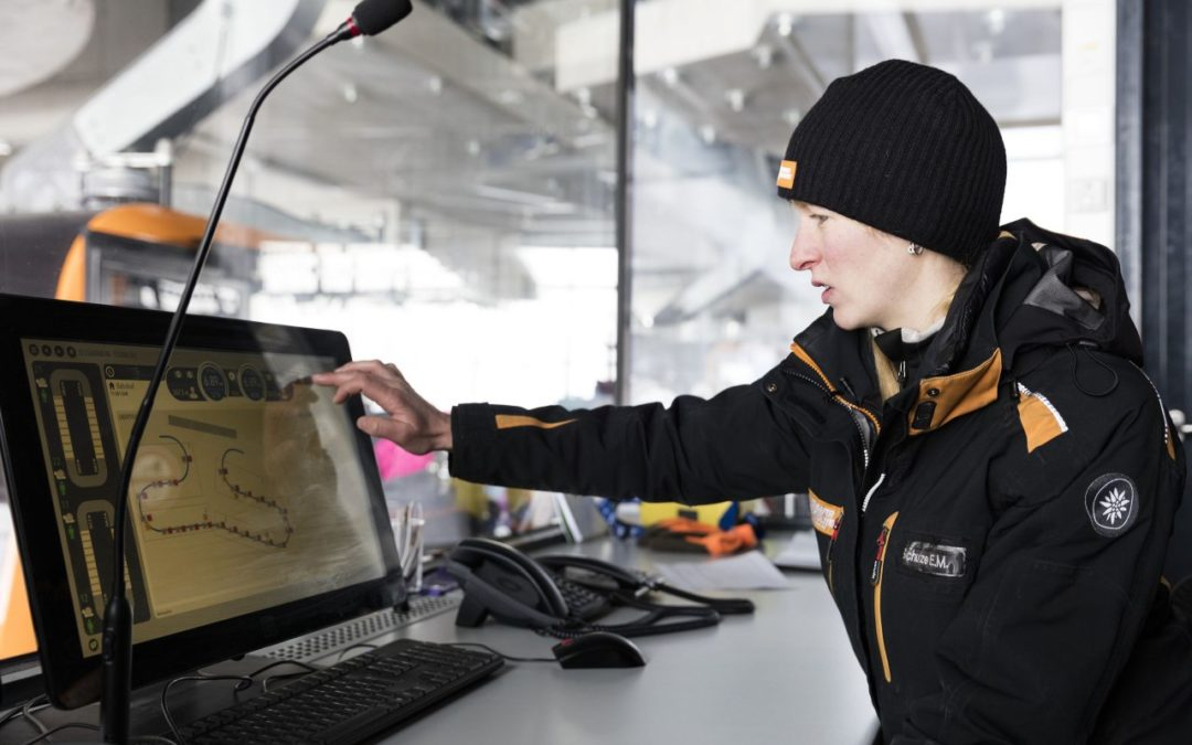 Außergewöhnliche Berufe in den Tiroler Bergen: Seilbahn-Fachfrau