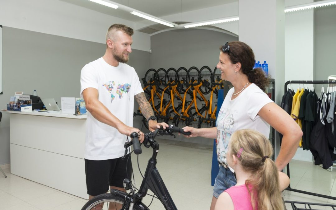alltours stockt Angebot an E-Bikes auf Mallorca auf