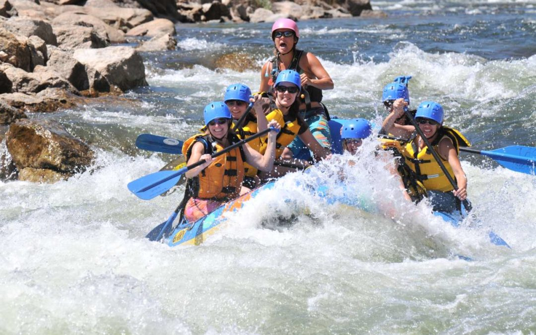 Vollmond Rafting in der Region Browns Canyon in Colorado