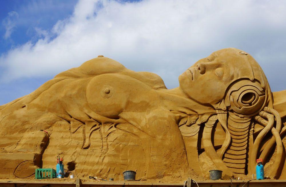 Überdimensionale Sandfigur Sandskulpturenfestival Søndervig