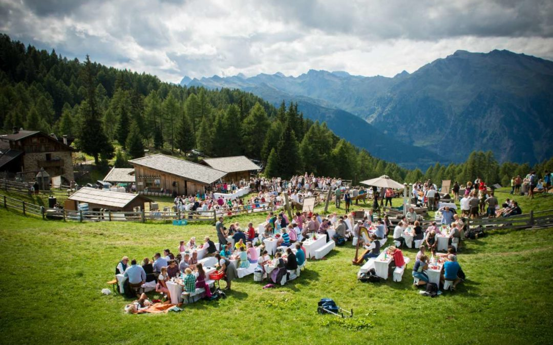 Open-Air-Gourmet-Event auf 1.800 Metern auf der Gompm Alm