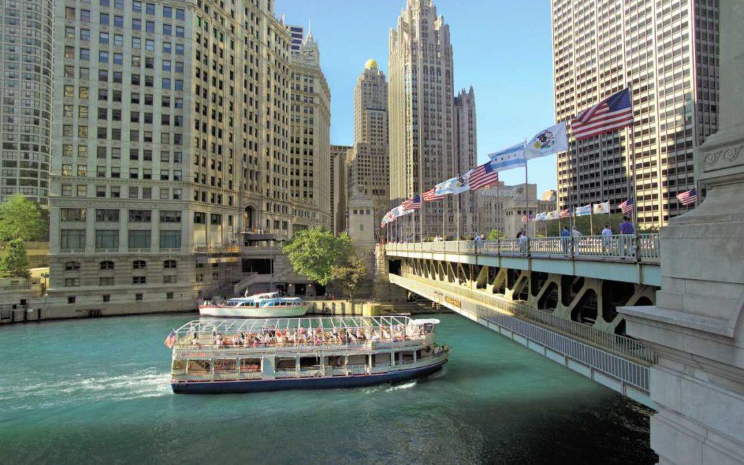 Bootsfahrt auf dem Chicago River unter den besten zehn Touren der Welt
