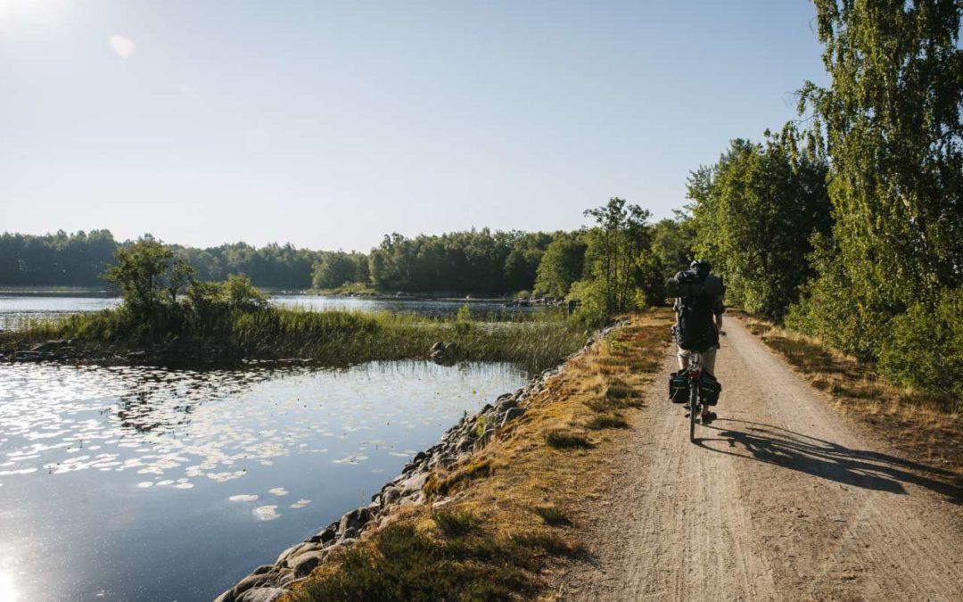 Mit dem E-Bike um den See Åsnen in Småland