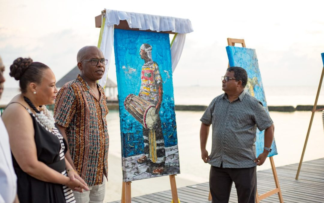 Malediven: Plastik-Kunst für mehr Umweltbewusstsein