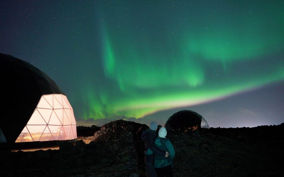 Island: Erstes Aurora Basecamp mit Weltraumatmosphäre