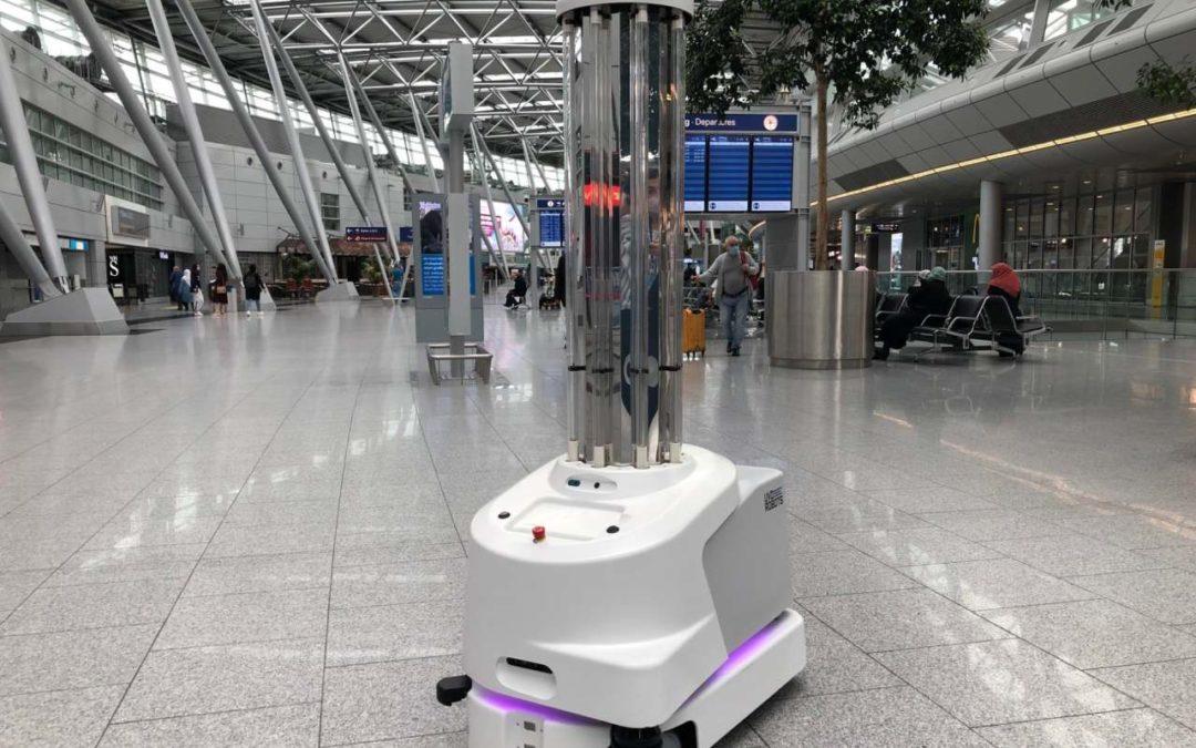 Desinfektionsroboter am Flughafen Düsseldorf im Test