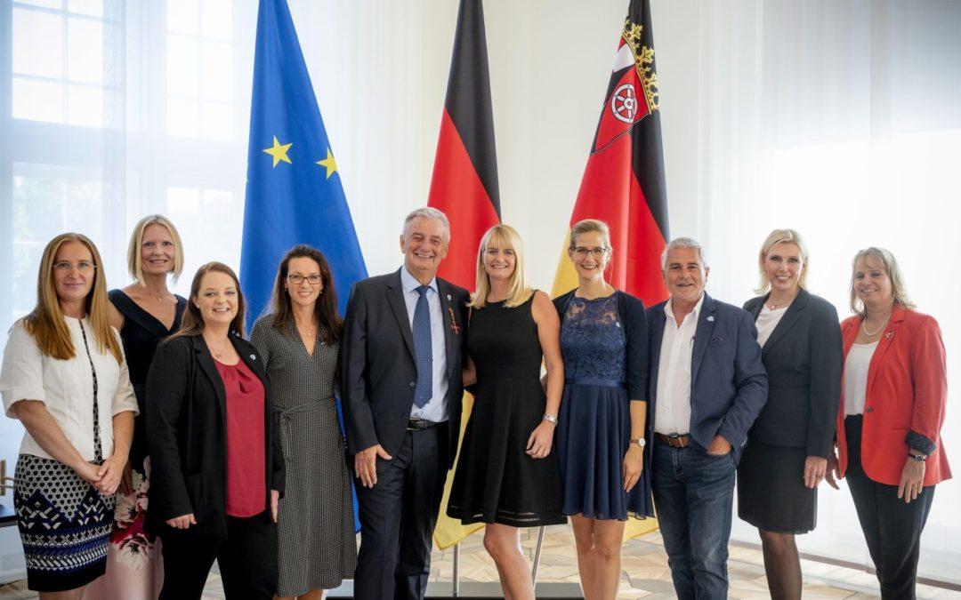Fly & Help-Gründer Reiner Meutsch erhält Bundesverdienstkreuz