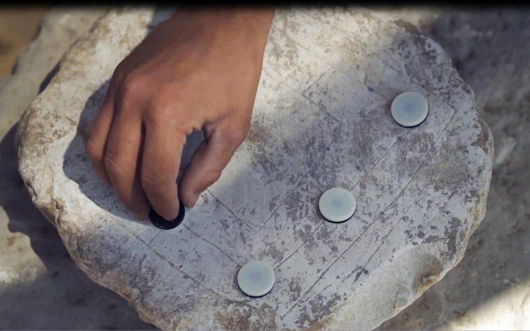 Historische Brettspiele bei Ausgrabungen in Israel entdeckt