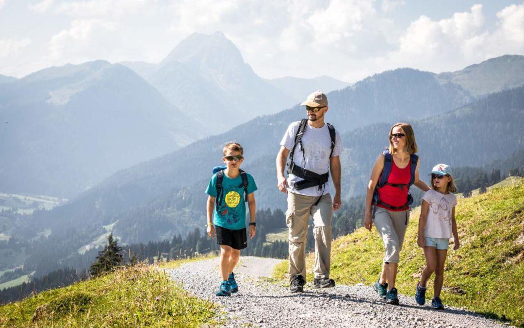 Familienwandern mit Rundum-sorglos-Paket in den Kitzbüheler Alpen